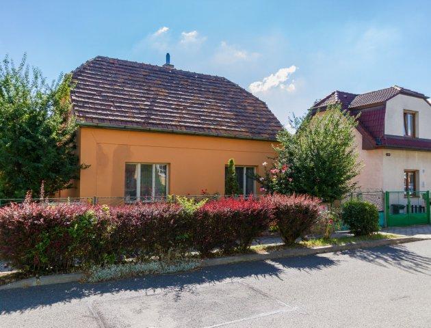 RD 4+1, UP 90 m2, pozemek 375 m2, Praha 10