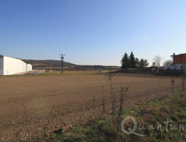 Rovinný stavební pozemek 1505 m2, komerční zóna Mladá Boleslav