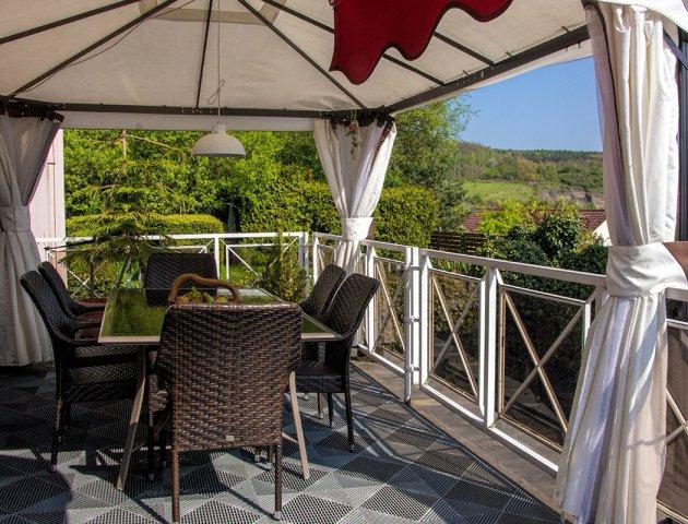 Prodej vily 600 m2, 10+3/2T, se zahradou 2424 m2, Velká Chuchle