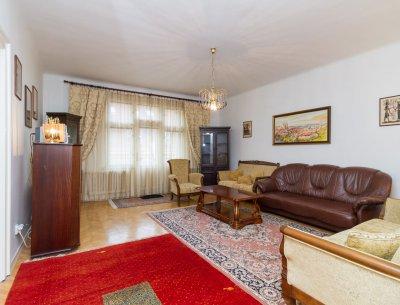 Světlý byt 3+1 na Vinohradech k pronájmu