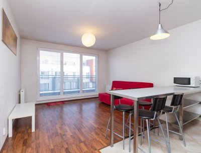 Exkluzivní pronájem bytu 2+kk včetně garážového stání
