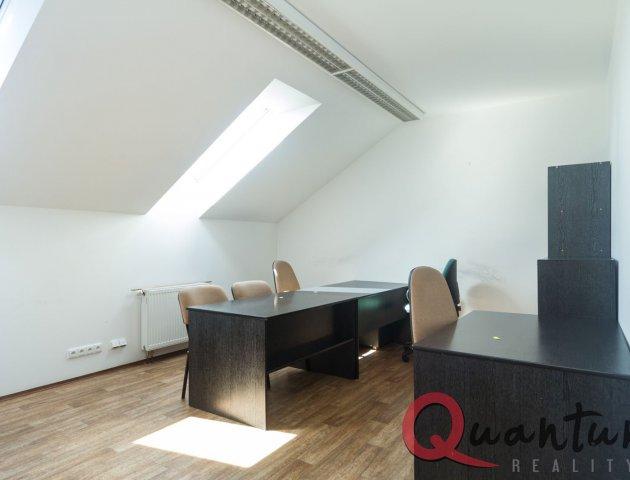 Kanceláře 241 m2, P4 Michle