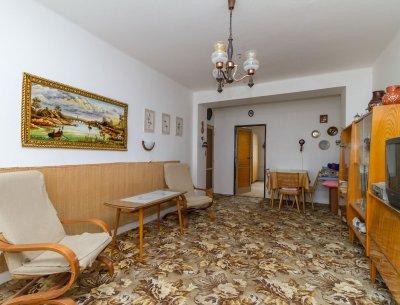 Světlý byt 2+1/B, 54 m2. 3/5 p.